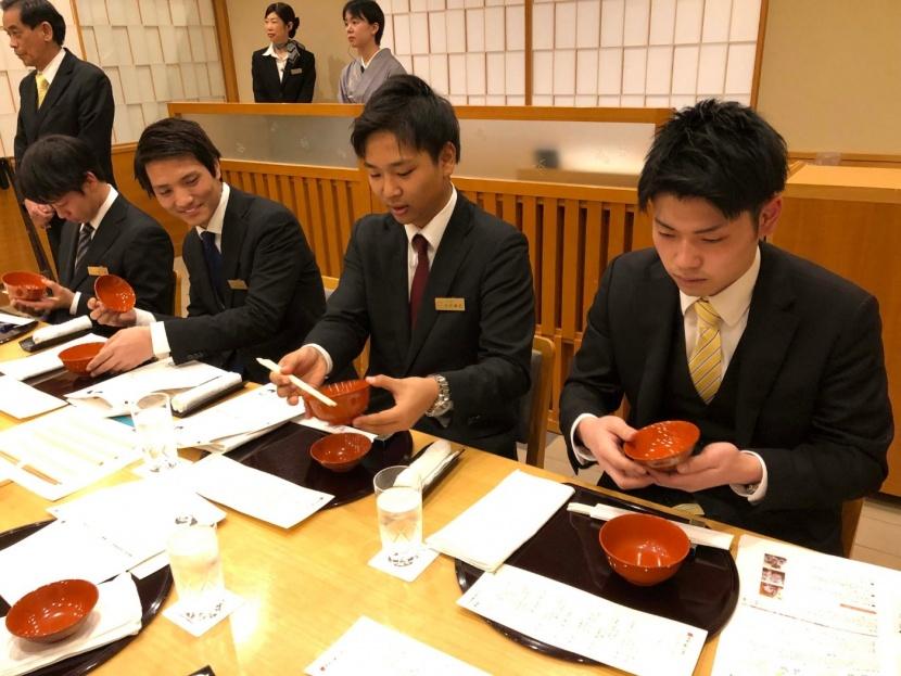 日本料理テーブルマナー